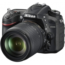 Nikon D7200 Digital SLR Camera with 18-105mm VR Lens Kit