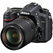 Nikon D7100 Digital SLR Camera with 18-140mm VR Lens Kit